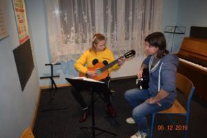 Nauka gry na gitarze Szkoła Muzyczna Września 2019 08