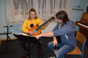 Nauka gry na gitarze Szkoła Muzyczna Września 2019 12