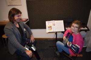 Lekcje gry na gitarze XI 2019 Szkoła Muzyczna Effect we Wrześni 03