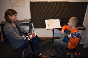 Lekcje gry na gitarze XI 2019 Szkoła Muzyczna Effect we Wrześni 06