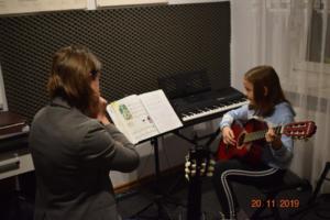 Lekcje gry na gitarze XI 2019 Szkoła Muzyczna Effect we Wrześni 14