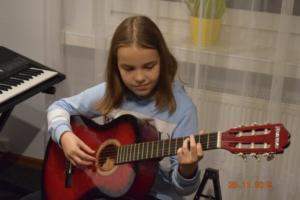 Lekcje gry na gitarze XI 2019 Szkoła Muzyczna Effect we Wrześni 15
