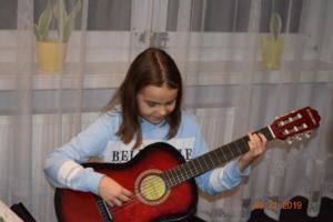 Lekcje gry na gitarze XI 2019 Szkoła Muzyczna Effect we Wrześni 19