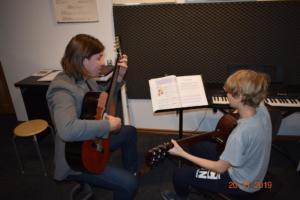 Lekcje gry na gitarze XI 2019 Szkoła Muzyczna Effect we Wrześni 23
