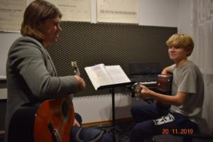 Lekcje gry na gitarze XI 2019 Szkoła Muzyczna Effect we Wrześni 25