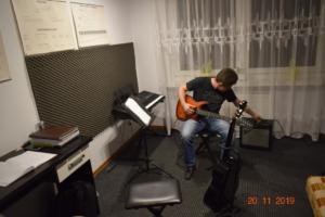 Lekcje gry na gitarze XI 2019 Szkoła Muzyczna Effect we Wrześni 27