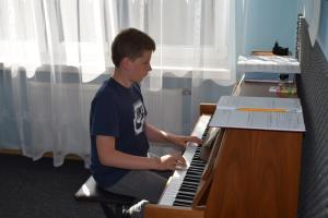 Lekcje gry na fortepianie Szkoła Muzyczna Effect Września 14