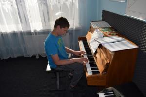 Lekcje gry na fortepianie Szkoła Muzyczna Effect Września 19