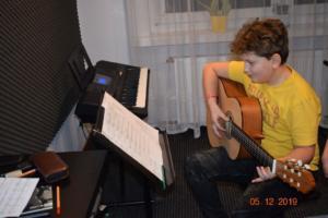 Nauka gry na gitarze Szkoła Września 2019 11