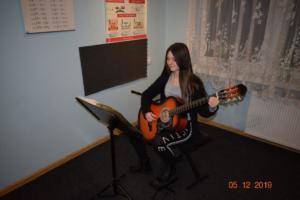 Nauka gry na gitarze Szkoła Muzyczna Września 2019 01