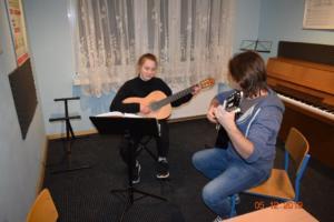 Nauka gry na gitarze Szkoła Muzyczna Września 2019 13