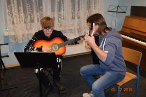 Nauka gry na gitarze Szkoła Muzyczna Września 2019 18
