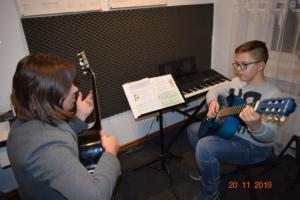 Lekcje gry na gitarze XI 2019 Szkoła Muzyczna Effect we Wrześni 11