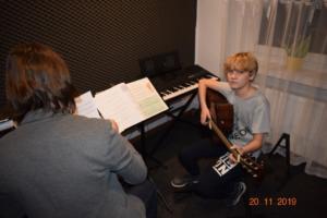 Lekcje gry na gitarze XI 2019 Szkoła Muzyczna Effect we Wrześni 20