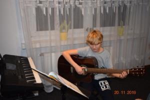 Lekcje gry na gitarze XI 2019 Szkoła Muzyczna Effect we Wrześni 21