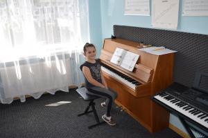 Lekcje gry na fortepianie Szkoła Muzyczna Effect Września 05