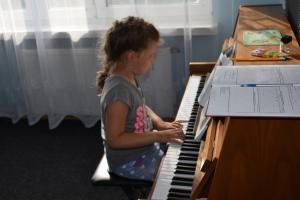 Lekcje gry na fortepianie Szkoła Muzyczna Effect Września 17