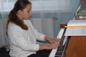 Lekcje gry na fortepianie Szkoła Muzyczna Effect Września 33